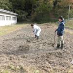 実験ほ場での土壌調査実習(1)