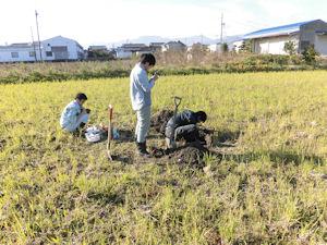 堂ヶ山町の水田での土壌調査(4)